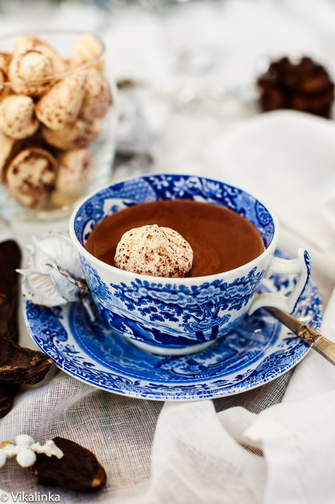 Italian Hot Chocolate with Floating Meringue Kiss