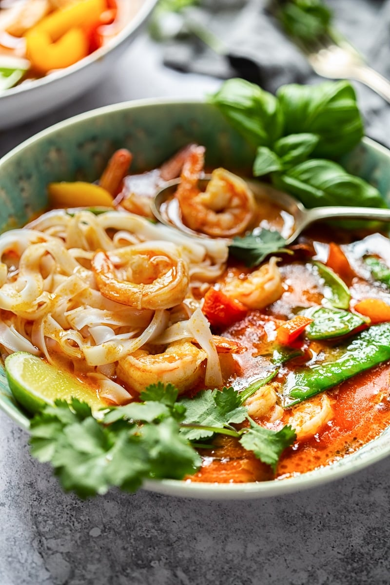 Thai Red Curry with Prawns and Snow Peas #ThaiCurry #ThaiRedCurry #ThaiShrimpCurry