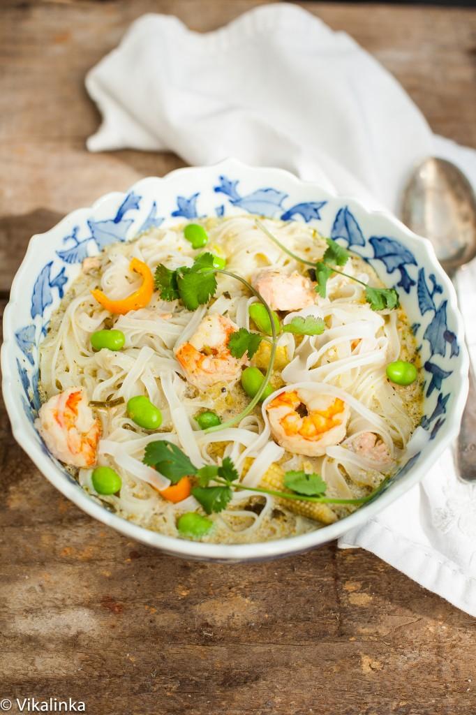 Thai Seafood Noodle Bowl