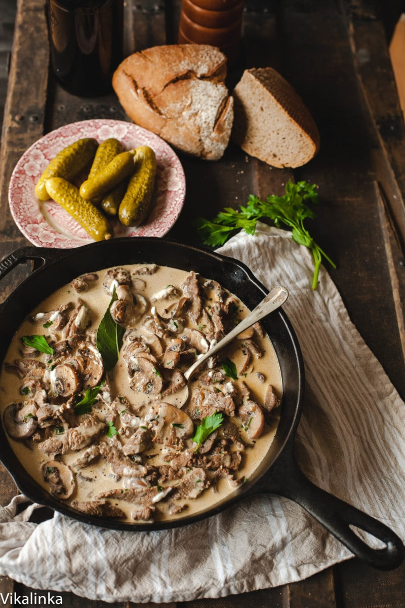 Best Beef Stroganoff (VIDEO) - Vikalinka