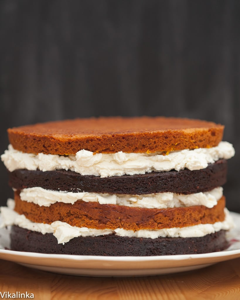 This cake would be the perfect way to end your holiday meal!