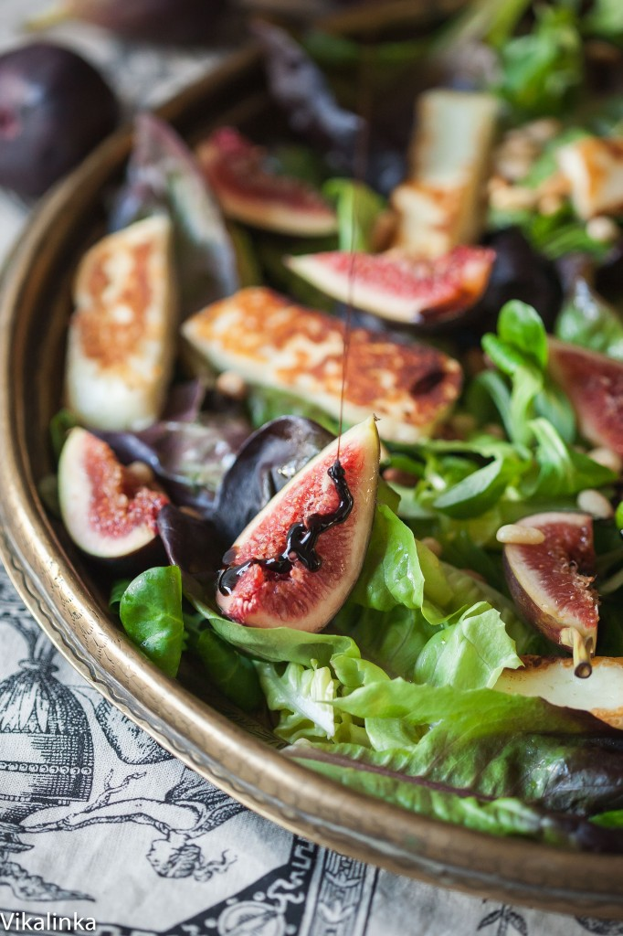 Winter salad with figs and pomegranate balsamic dressing
