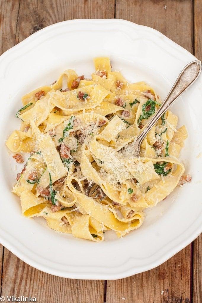 Fresh Pasta Carbonara with Arugula