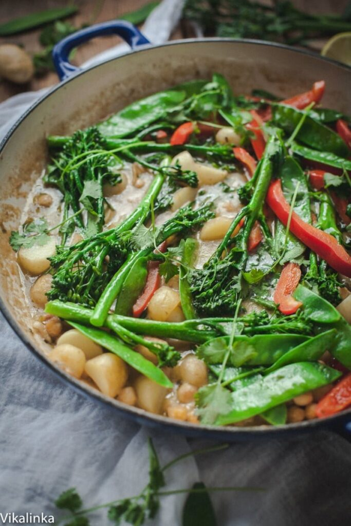 Green Vegetable and Chick Pea Thai Curry