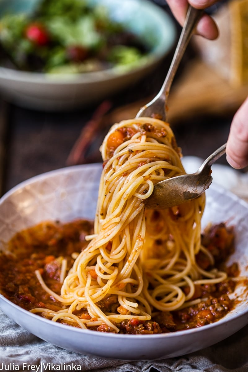 Slow cooker beef bolognese sauce photo
