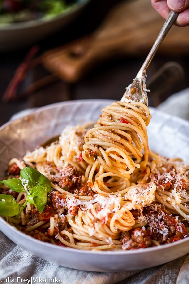 Slow cooker beef bolognese sauce image