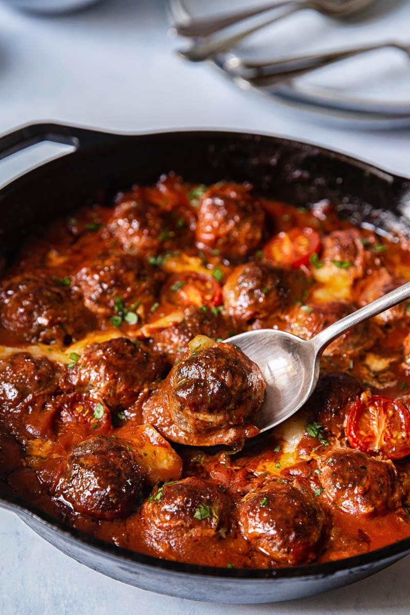 Baked Meatballs with Mozzarella and Arugula