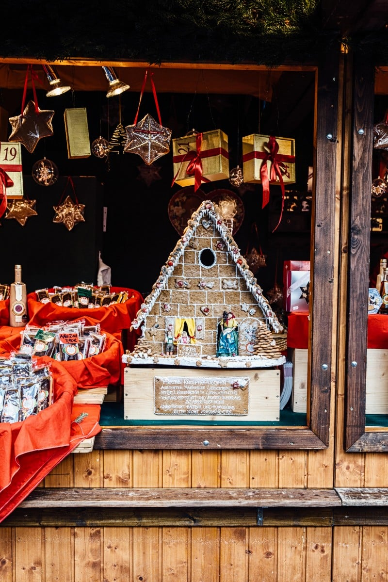 Gingerbread house in a market stall
