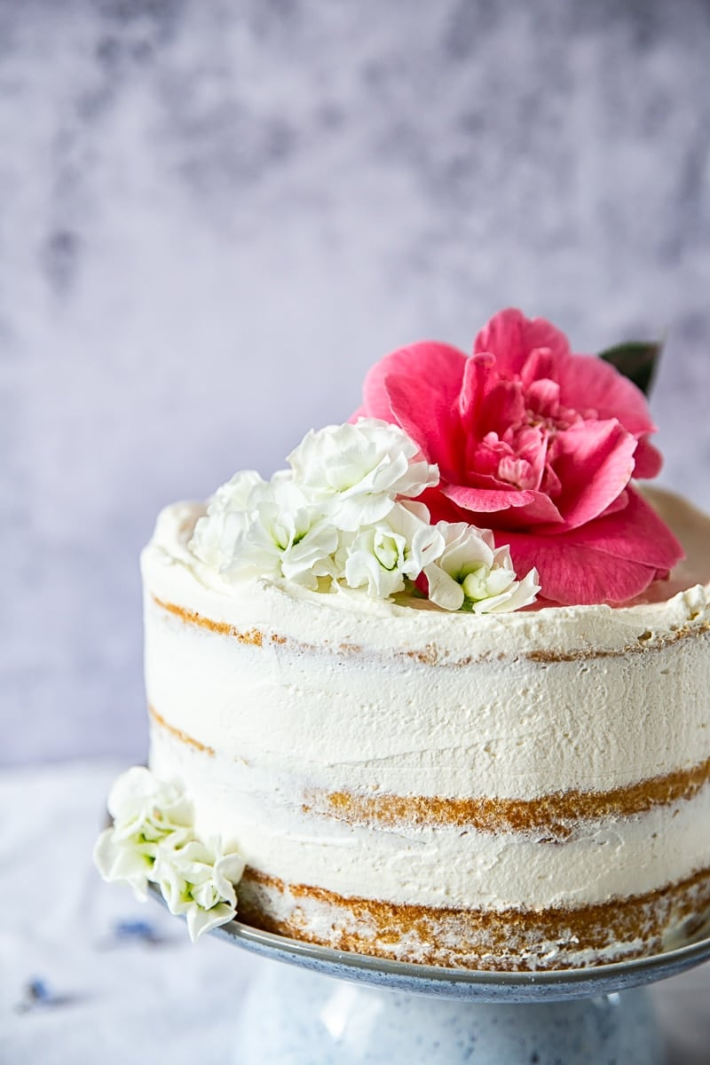 Elderflower, Lemon and Summer Berry Cake (The Royal Wedding Cake) #elderflowerlemoncake