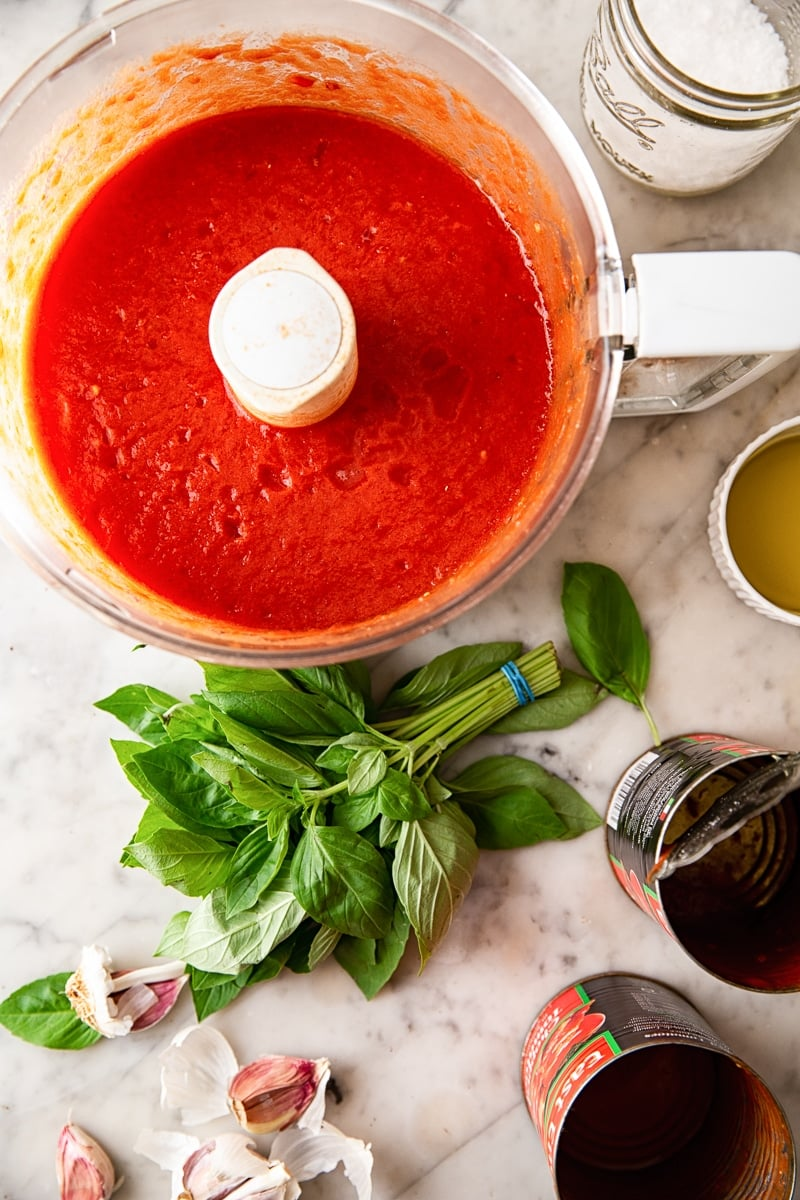 Homemade Tomato and Basil Spaghetti Sauce #spaghettisauce