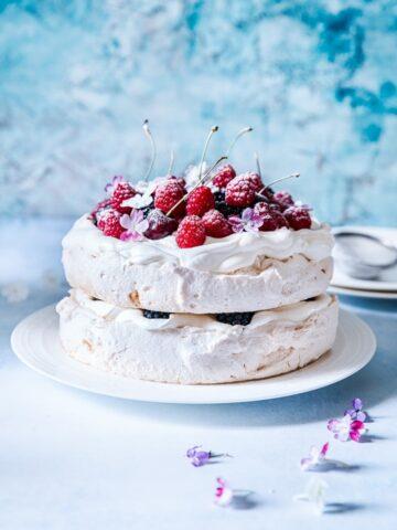 Double Stacked Berry Pavlova #pavlova #meringue