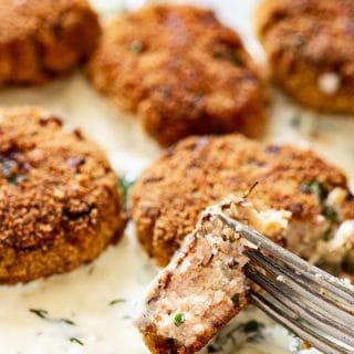 Salmon Fishcakes with Creamy White Wine Sauce #salmoncakes #fishcakes