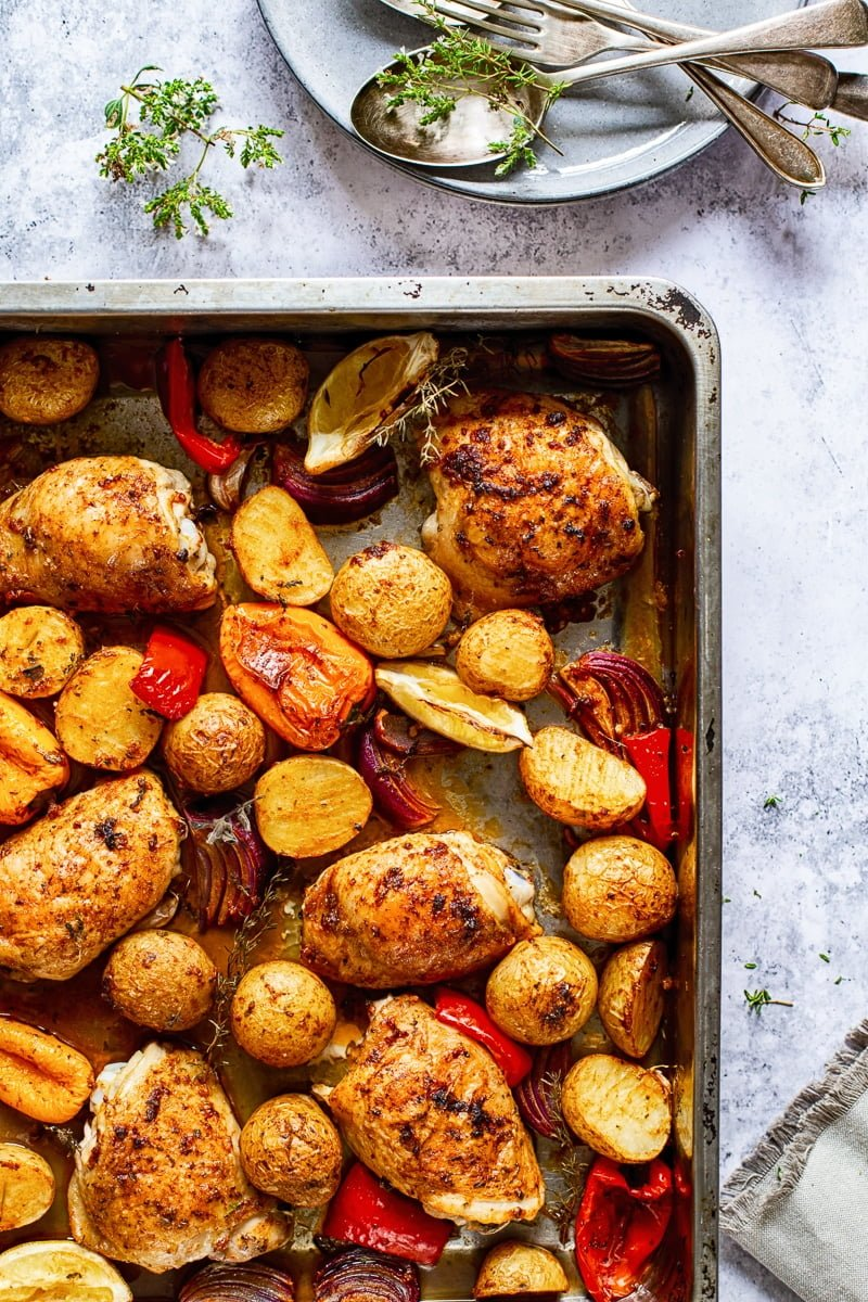 Spanish Style Baked Chicken Thighs with Potatoes #chicken #chickenthighs