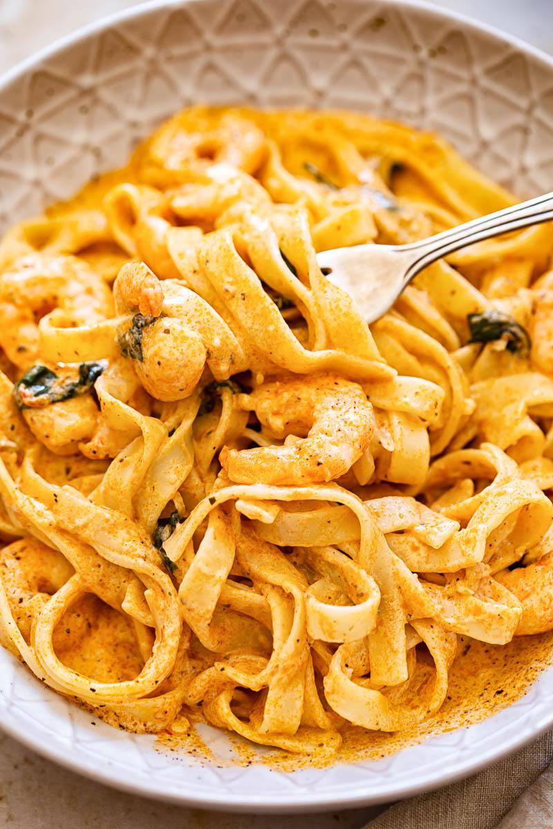 Shrimp linguine in creamy sun-dried tomato sauce
