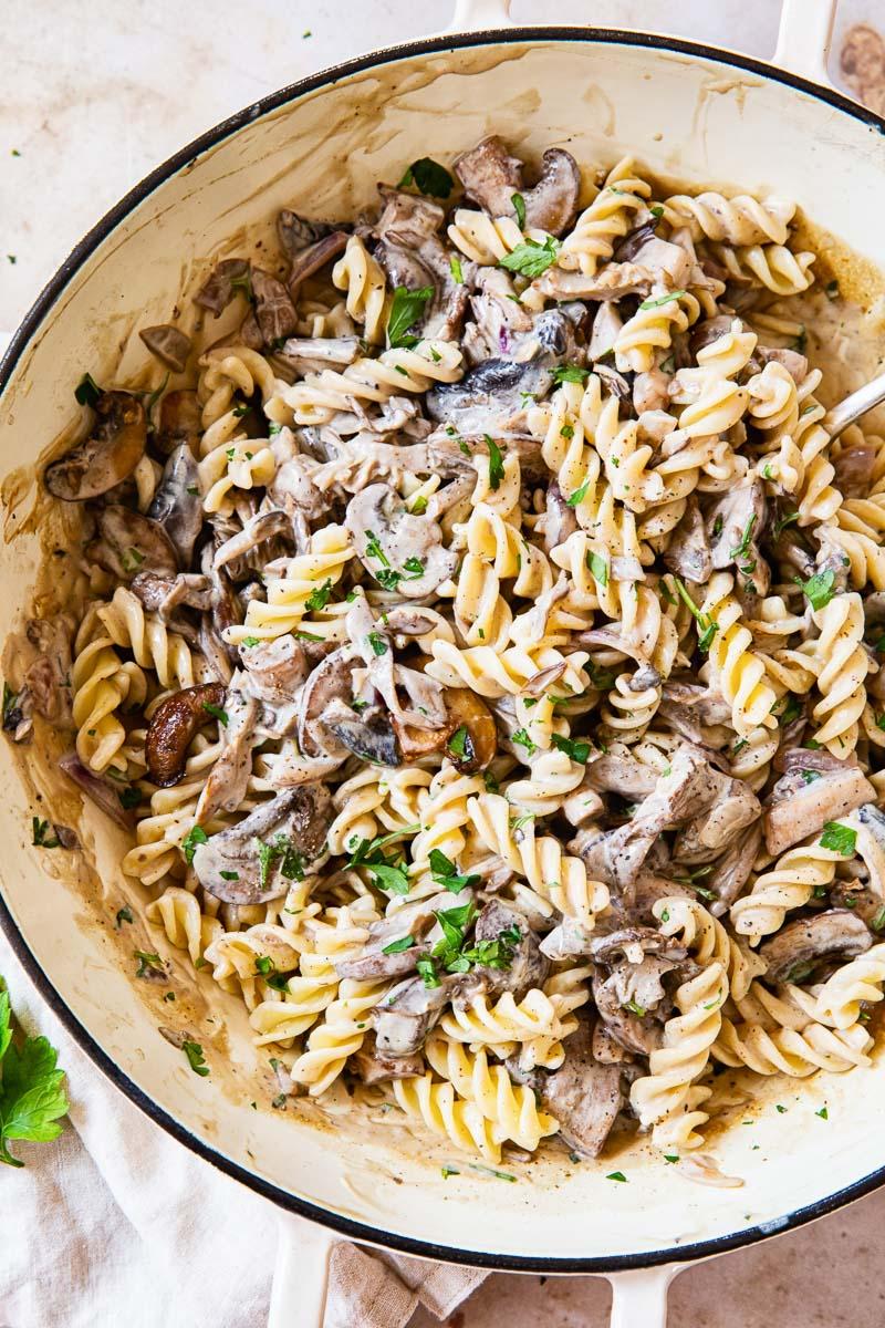 Mushroom Stroganoff in white pan