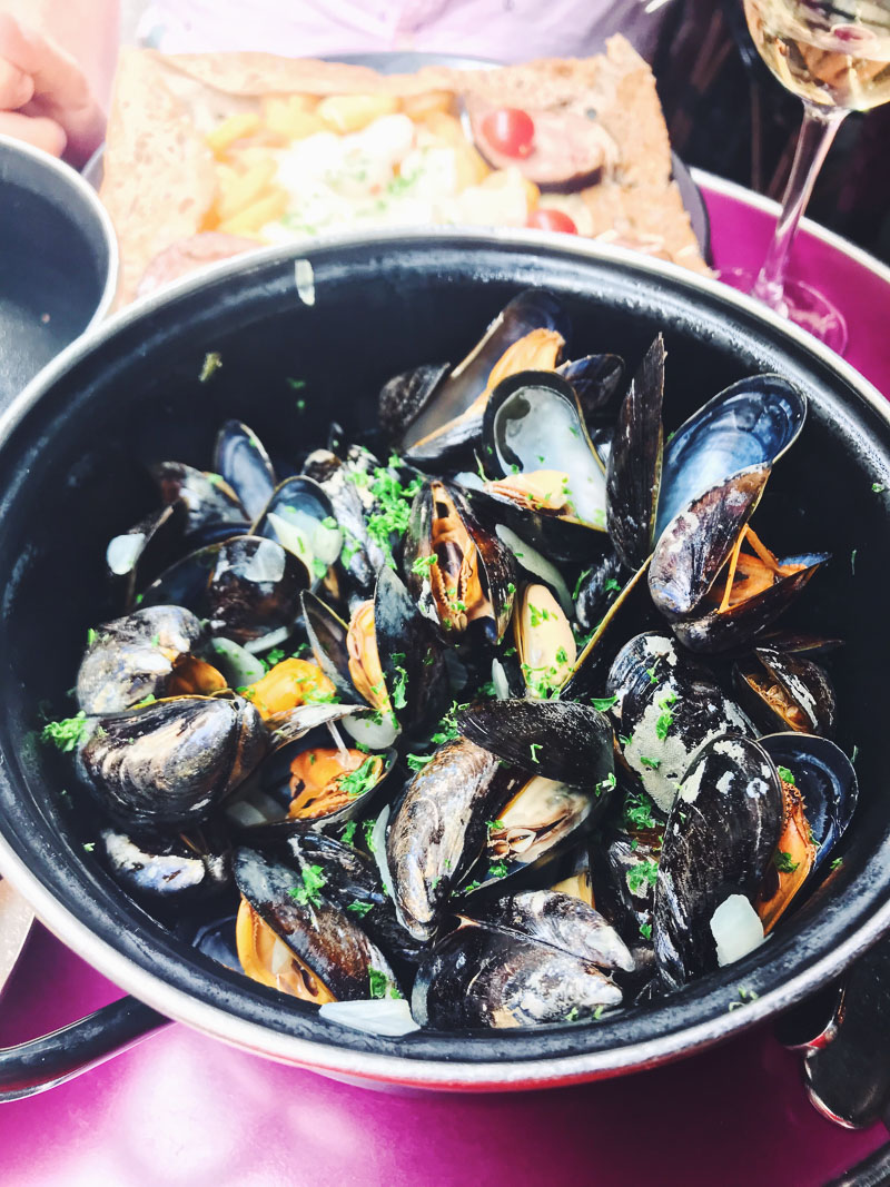A lunch of mussels