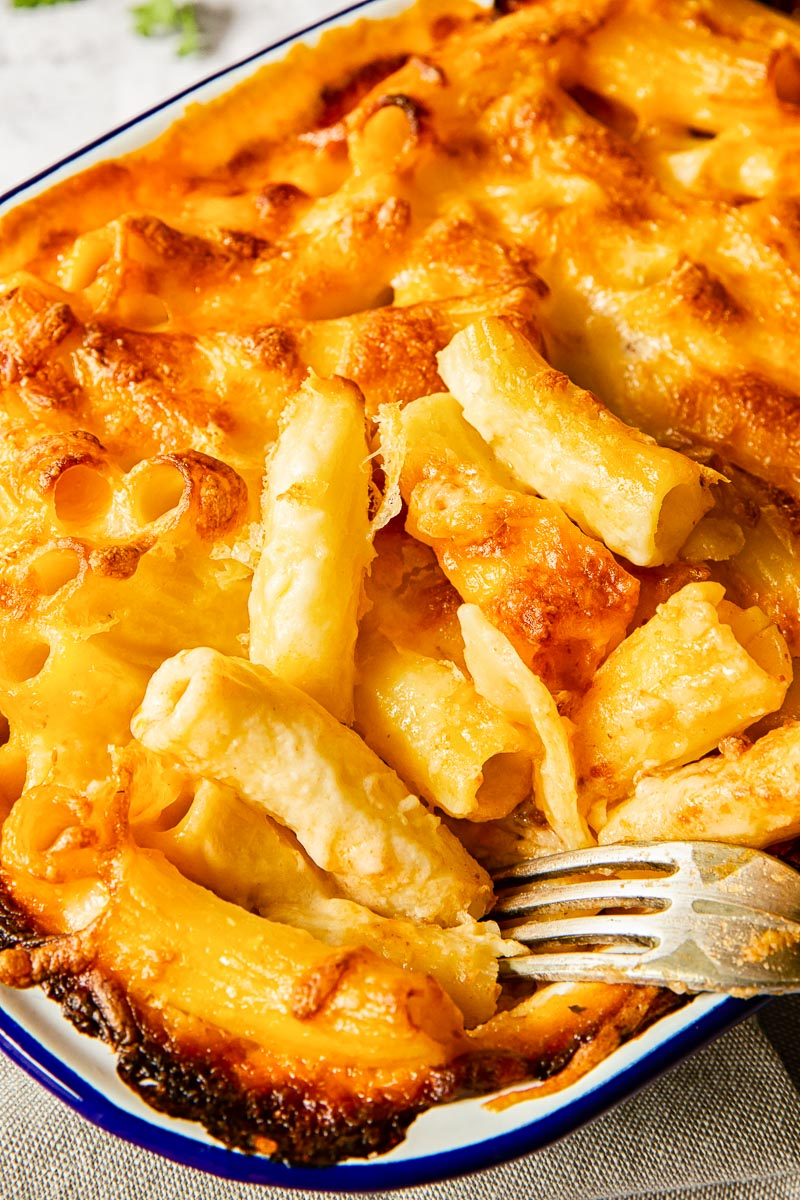 baked mac and cheese close up