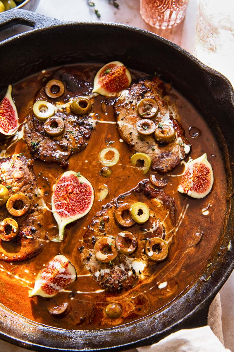 pork chops in sweet and sour sauce with olives and figs