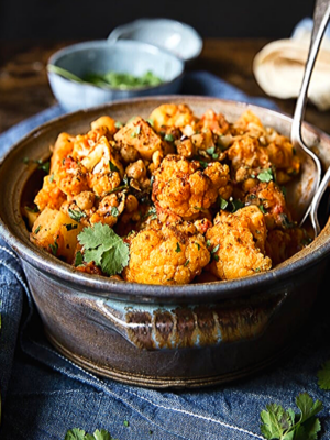 aloo gobi in clay pot